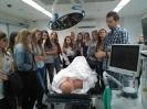 Uczniowie I LO w nowoczesnym centrum medycznym_1